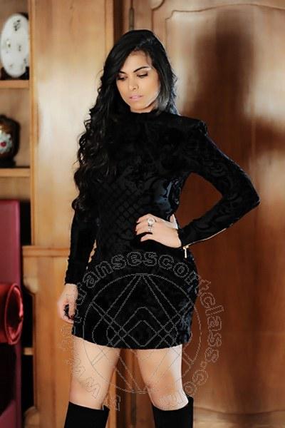 Victoria Luxo  PARIGI 0033785783960